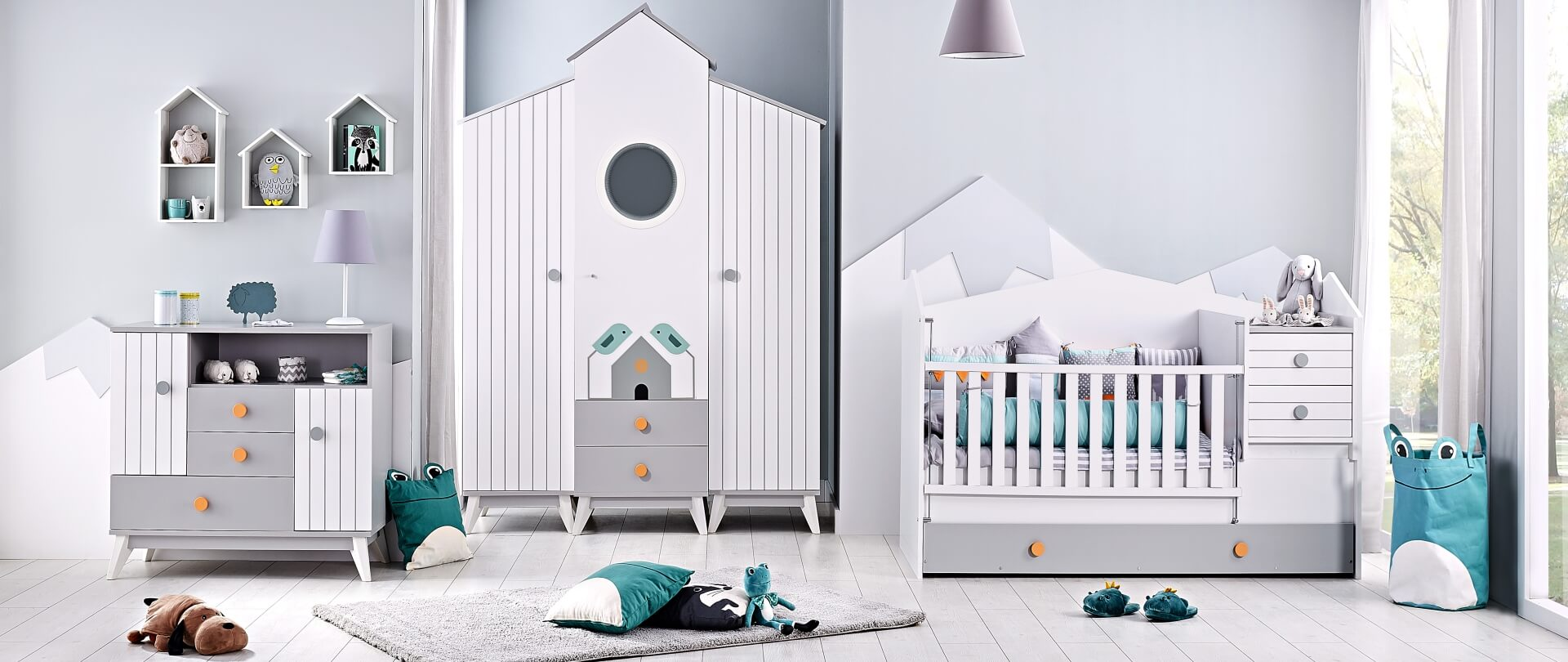 Bebe-Stars-Bird-House-slider